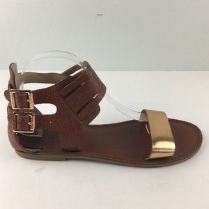 Vince Camuto Irkeno Sandals 10 Flats Ankle Straps